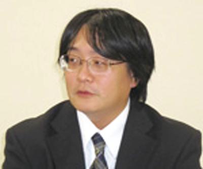小松 憲喬氏